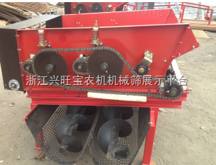 供应福沃4YZP-2玉米收割机、中小型玉米收割机。