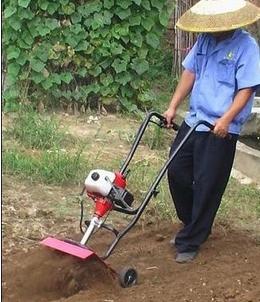 2012下半年馬鈴薯中耕培土機zui新驚爆價 青州鑫宇豐