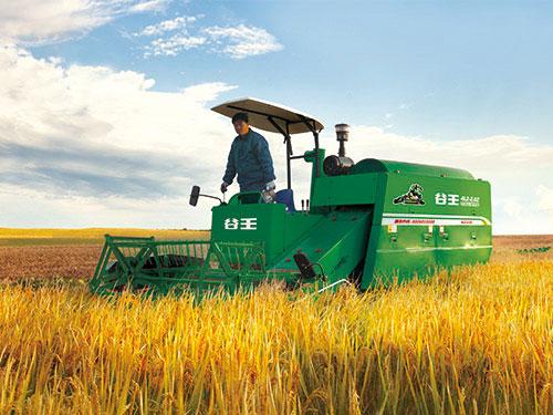 水稻联合收割机高清图片